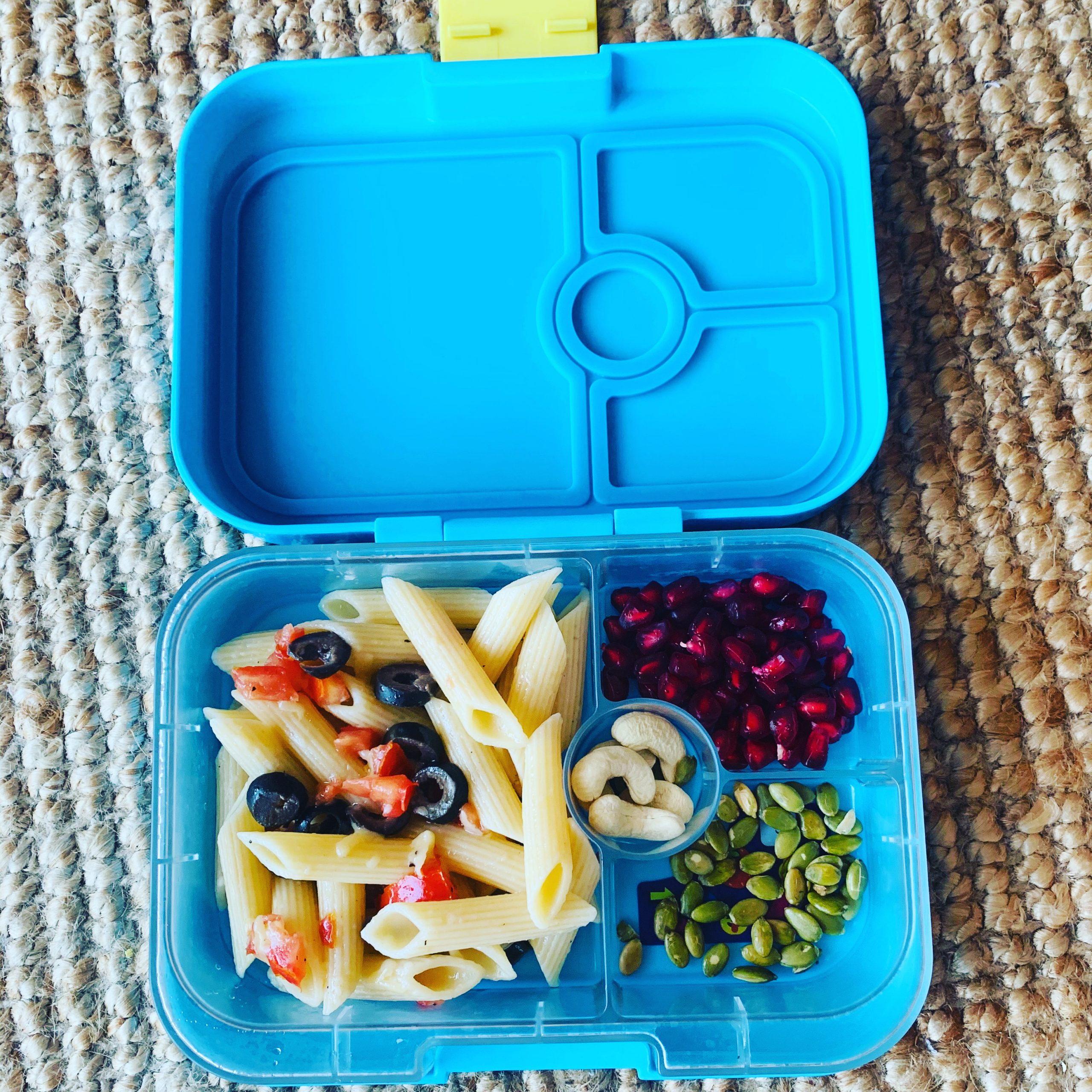 lunch box ideas - olive pasta