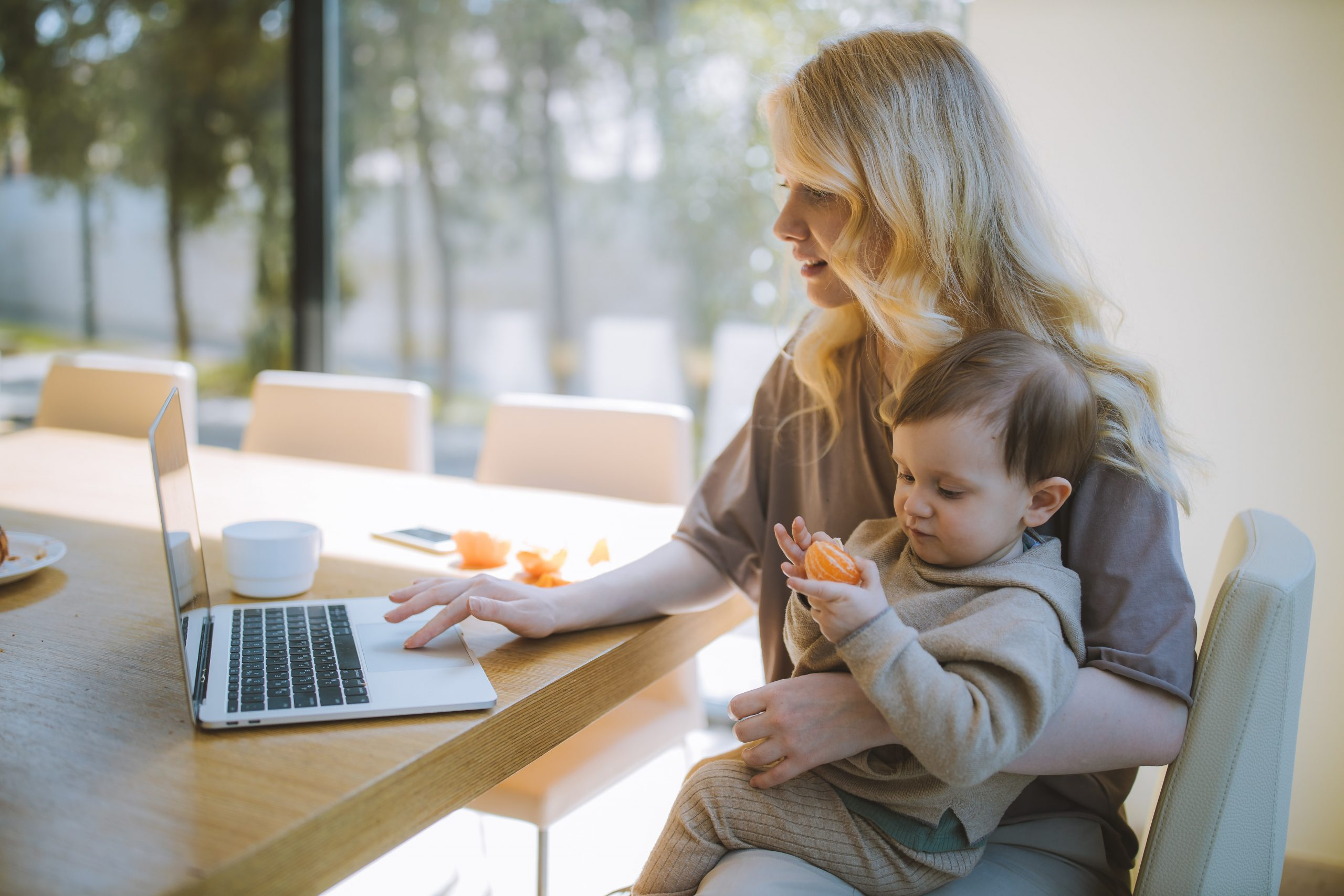 work from home mom challenges and how to fix it